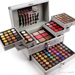 Caja de maquillaje